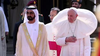 A pápa elismerte, hogy papok és püspökök apácákat zaklatnak még ma is