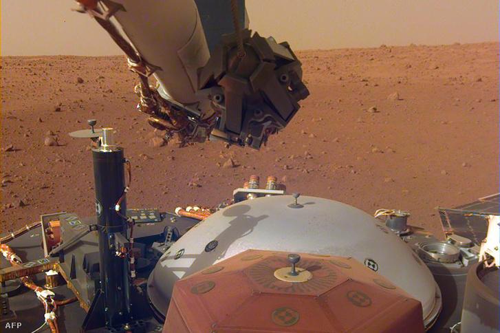 NASA InSight űrszonda a Marson 2018. december 4-én