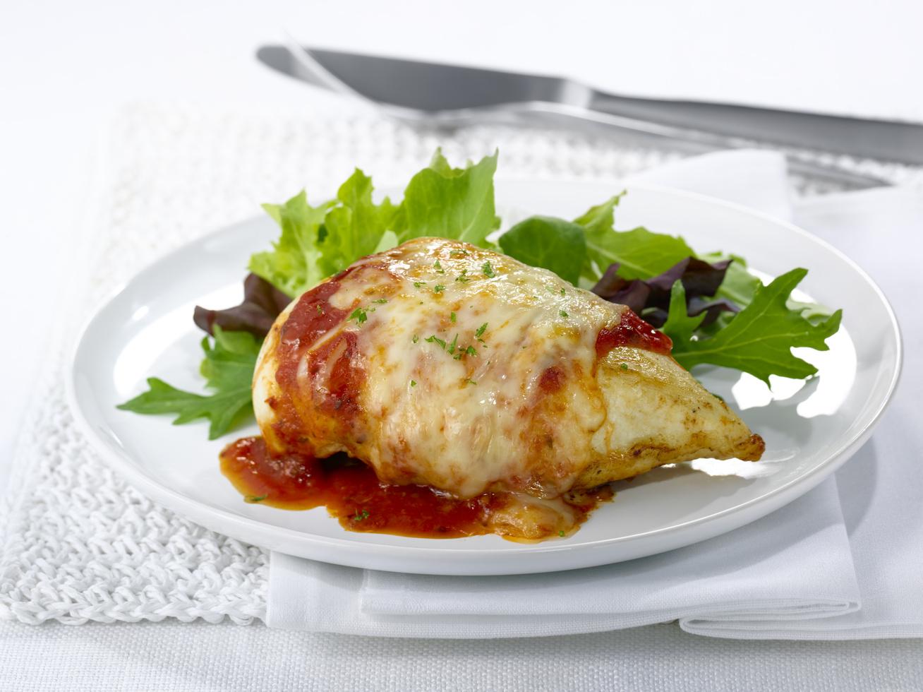 sajtos-paradicsomoszoszos-csirkemell