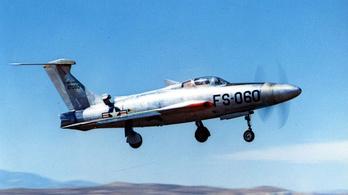 A világ leghangosabb repülője már a földön állva is hangrobbanást generált