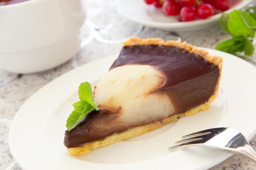 Omlós, körtés, csokikrémes pite: amilyen mutatós, olyan finom