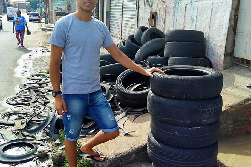 Amarildo Silva már több mint másfél éve alakítja át a leselejtezett autógumikat.