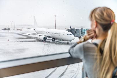 repülés nő reptér