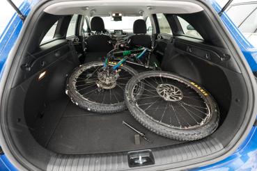Anti biciklije szinte atomokra tud terülni a Ceed csomagtartójában