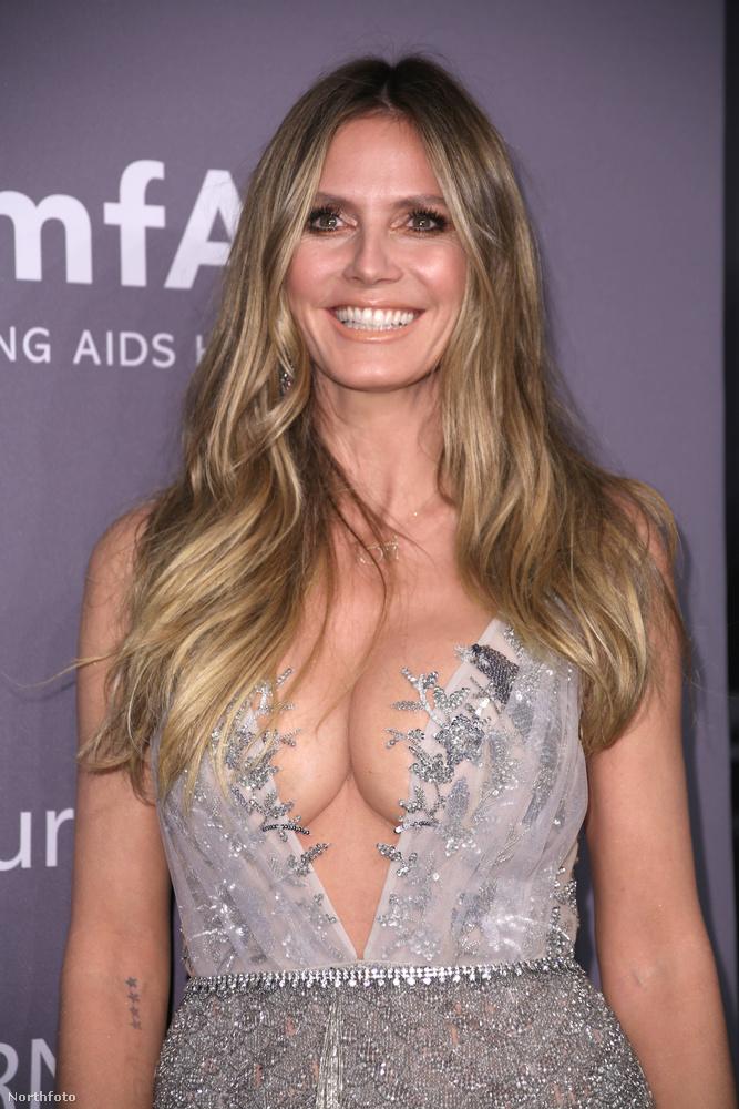 Ott volt például Heidi Klum német modell is, egy szintén nem visszafogott fazonban.