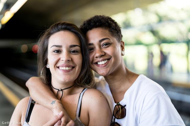 ingyenes leszbikus hajlamos