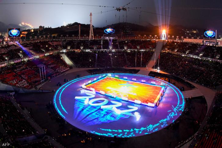 A phjongcshangi téli olimpia záróünnepségén már a 2022-es pekingi játékokra utaltak