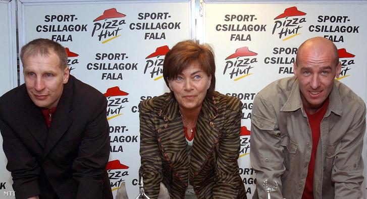 Marosi László, Sterbinszky Amália és Éles József 2003 április 18-án