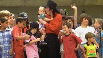 Michael Jacksont még halála után is üldözi a pedofil vád