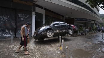 Két óra alatt annyi eső esett Rio de Janeiróban, mint máskor egy hónap alatt
