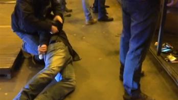Boxeres, késes, gázpisztolyos bűnözőre csaptak le a kommandósok Erzsébetvárosban