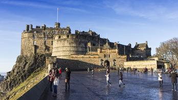 Edinburgh-nak elege lett a turistákból, megadóztatják az ágazatot