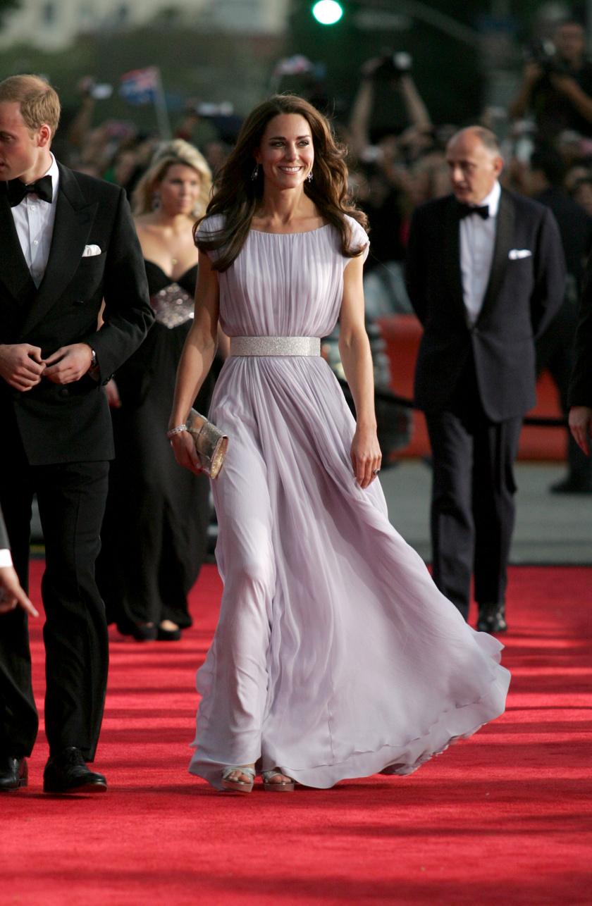 Katalin hercegné 2011-ben viselte ezt az álomszép ruhát - abban az évben, mikor hozzáment szerelméhez, Vilmos herceghez.