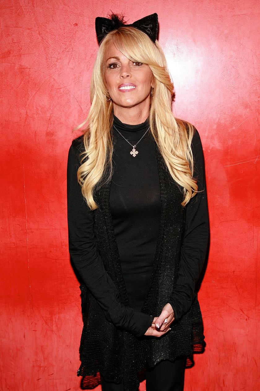 Dina Lohan erősen hisz a távkapcsolata sikerességében.