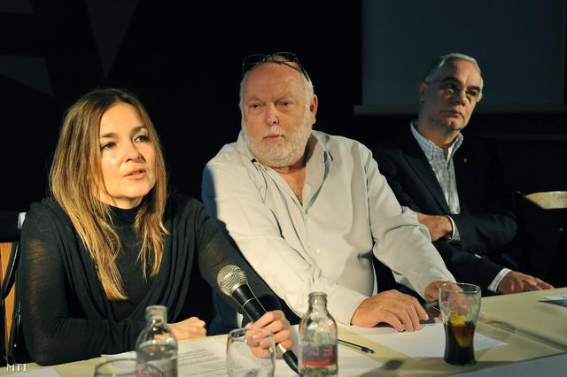 Mécs Mónika, az M&M Film vezető producere, Andrew G. Vajna, a filmszakma megújításáért felelős kormánybiztos és Balog Zoltán, a KIM államtitkára