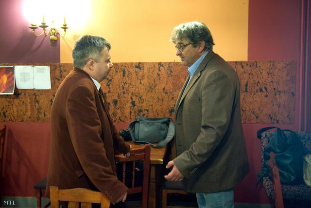 Dörner György, az Új Színház február 1-jével kinevezett igazgatója (j) Pozsgai Zsolt főrendezővel beszélget