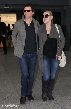 Ned Rocknroll és Kate Winslet a Heathrow reptéren, 2012. január