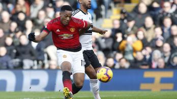 Martial félpályás szólója és könnyű United-győzelem