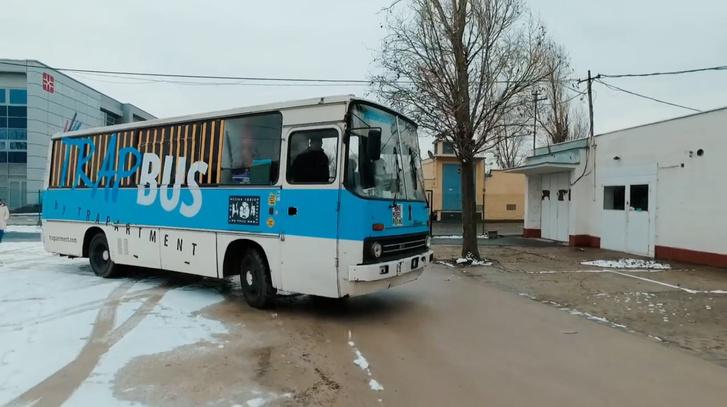 ikarus-211
