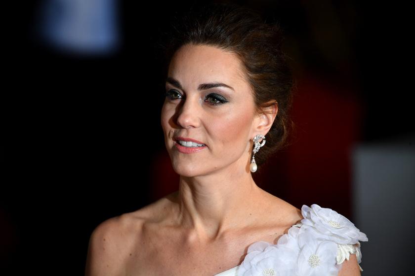 8695a5eae1 Kész menyasszony: Katalin hercegné hófehér estélyiben tündökölt a  BAFTA-gálán