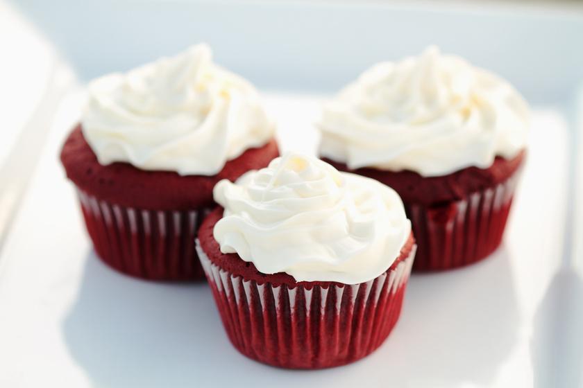 Káprázatos Red Velvet muffin Valentin-napra: sokkal egyszerűbb, mint a torta