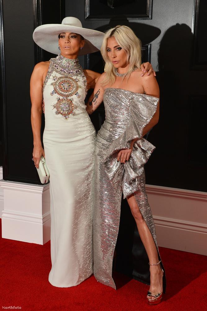 Jennifer Lopezzel minden ruha kicsit jobban néz ki.