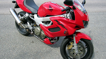 Ha V2, akkor Honda vagy Aprilia?