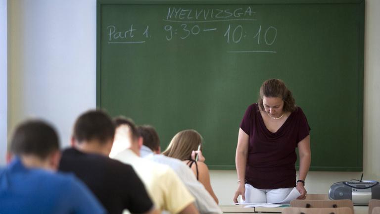 Külföldön persze jó nyelvet tanulni, csak itthon van a baj