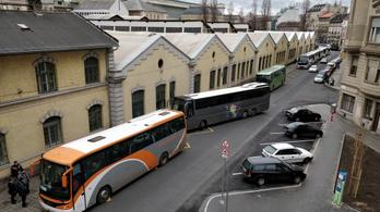 Egy csomó változás lesz a pótlóbuszok menetrendjében a hatvani vasútvonalon