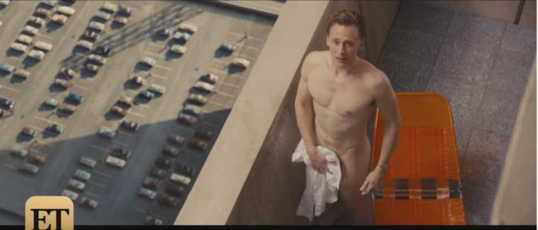 Utolsó előtti sztárunk még egy angol úriember, Tom Hiddleston, aki egyben a lapozgatónk legmeztelenebb szereplője is.