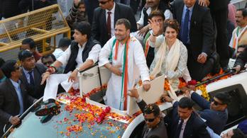 Ezrek vettek részt Prijanka Gandhi első politikai gyűlésén Indiában