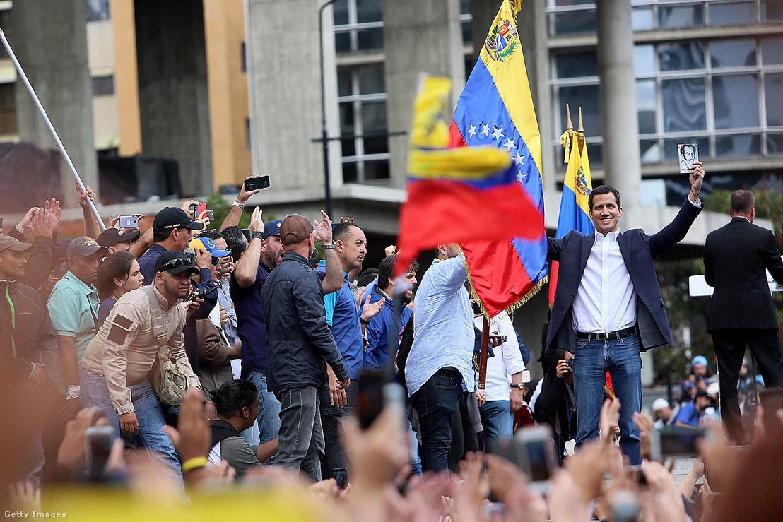 Juan Guaido egy ellenzéki megmozduláson 2018 októberében