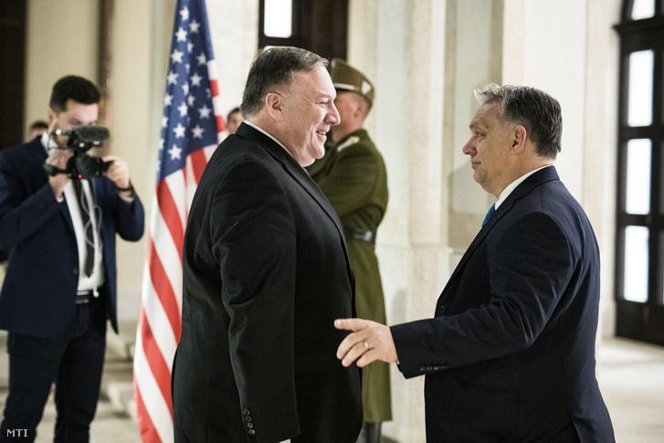 Orbán Viktor miniszterelnök (j) fogadja Mike Pompeo amerikai külügyminisztert hivatalában, a Karmelita kolostorban 2019. február 11-én