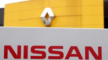 Meglepetés: Carlos Ghosn még mindig a Renault igazgatója