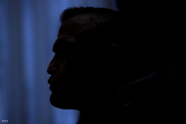 Az elsőrendű vádlott M. Richárd az ellene és két fő ellen halálos közúti baleset gondatlan okozása és egyéb bűncselekmények miatt, a 2017 májusában a fővárosi Dózsa György úton történt halálos közúti baleset ügyében indított büntetőper előkészítő tárgyalásán a Pesti Központi Kerületi Bíróság tárgyalótermében 2019. január 25-én.