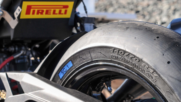 Pirelli-Diablo-Superbike-supersport-300-tires-02
