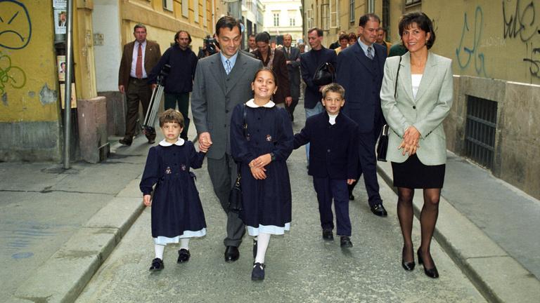 Húsz éve ugyanarra szerződne a nőkkel Orbán