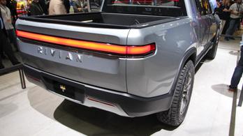 Villany-pickupba fektethet az Amazon és a GM