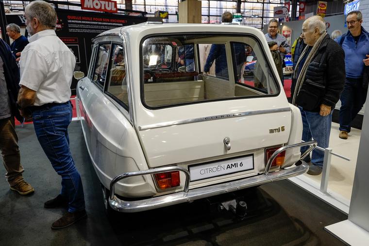 A Rétromobile-on egy olyan verziót állítottak ki, amit végképp kevesen ismernek: egy 2+1 ajtós furgont