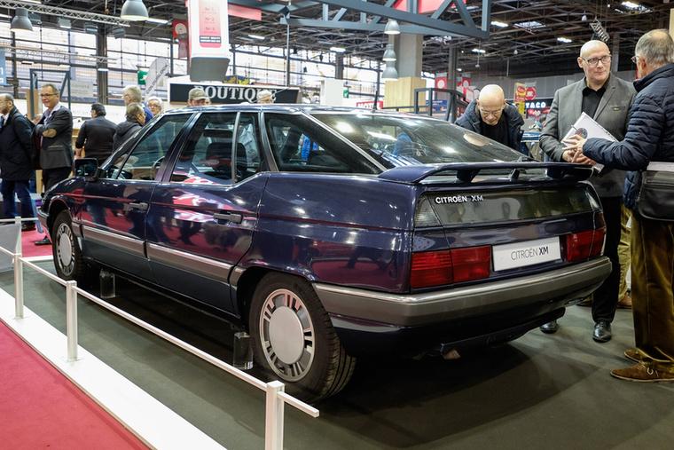 Minden tekintetben csúcs-Citroen volt: már nem dőlt kanyarokban, létezett bele V6-os motor, s végre hátul is széles pad volt benne