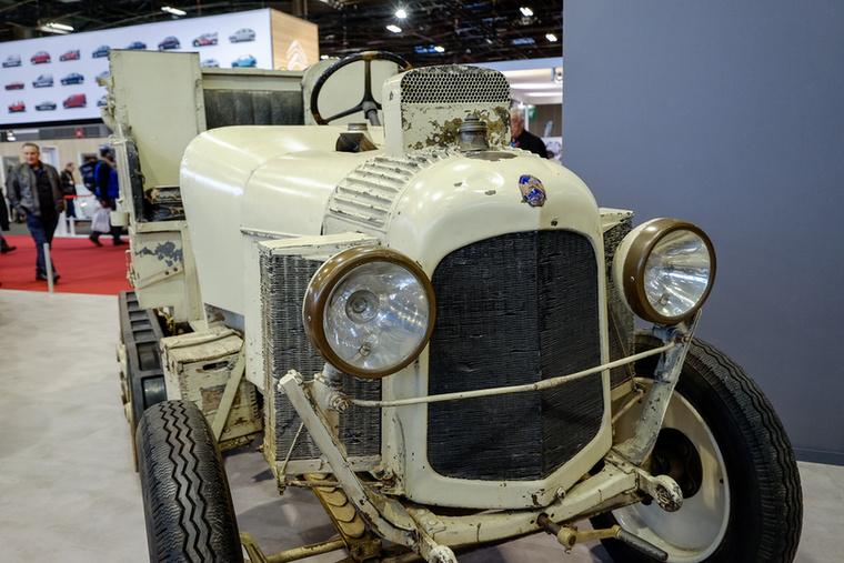 """Az 1922-es """"Kégresse"""", azaz hivatalos nevén az Autochenille a második Citroen-típus, a B2 alapjára épült"""