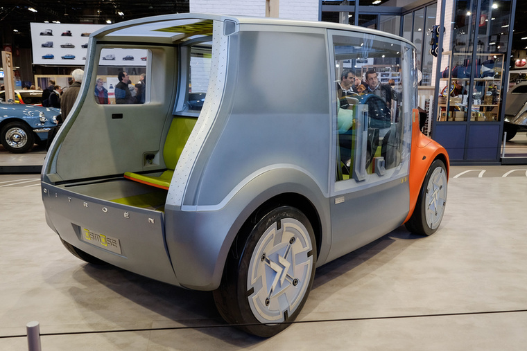 Nullemissziós, mobiltelefonról hívható járműnek tervezték