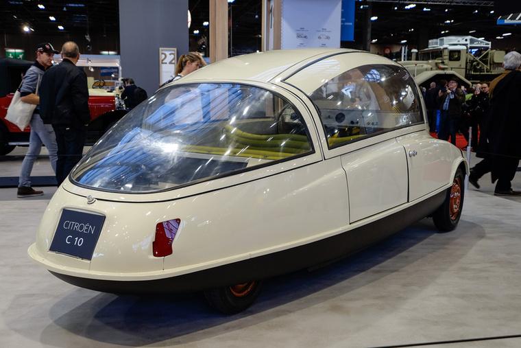 A legendás repülő- és autótervező, André Lefébvre (Traction, 2CV, DS, HY) tervezte a 2CV és a DS közé szánt Citroen-tanulmányt