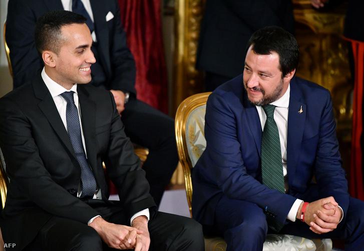 Salvini és Di Maio az új olasz kormány megalakulásának ünnepsége előtt a római Quirinale-palotában 2018. június 1-jén.
