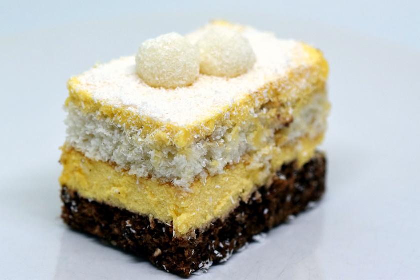Istenien krémes Raffaello-süti: a tésztája a piskótánál is egyszerűbb