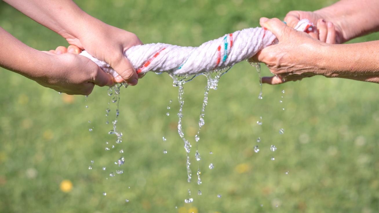 Tilos ma mosnod, mert nagy szerencsétlenséget hozhat: 4 nagypénteki babona a régiektől