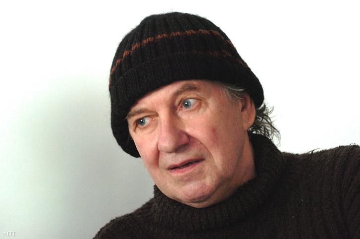 Tandori Dezső költő, író, műfordító, kritikus, irodalomtörténész, rajzoló