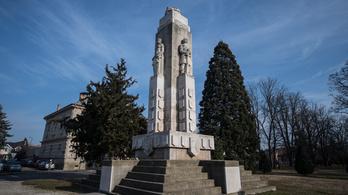 Amerikai stílusú gigászi Trianon-emlékmű Nagykanizsán