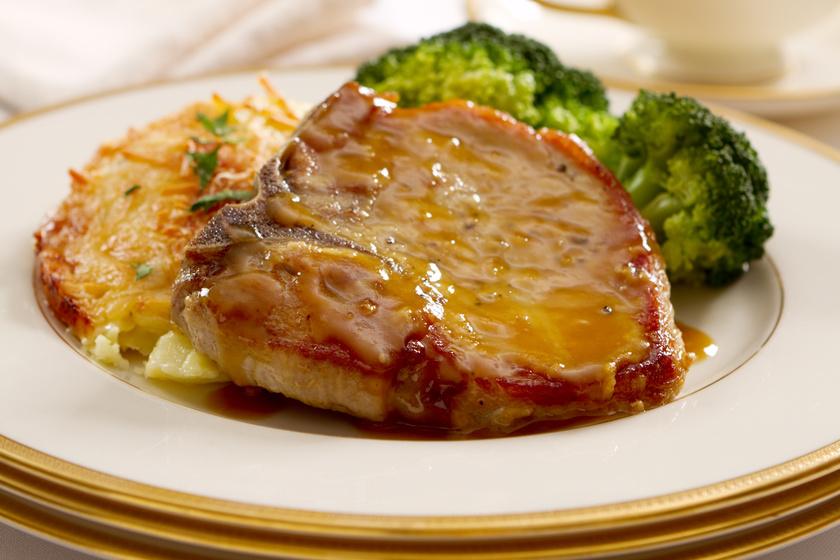 Omlós, mézes-mustáros sertésszelet: csábító falatok a sütőből