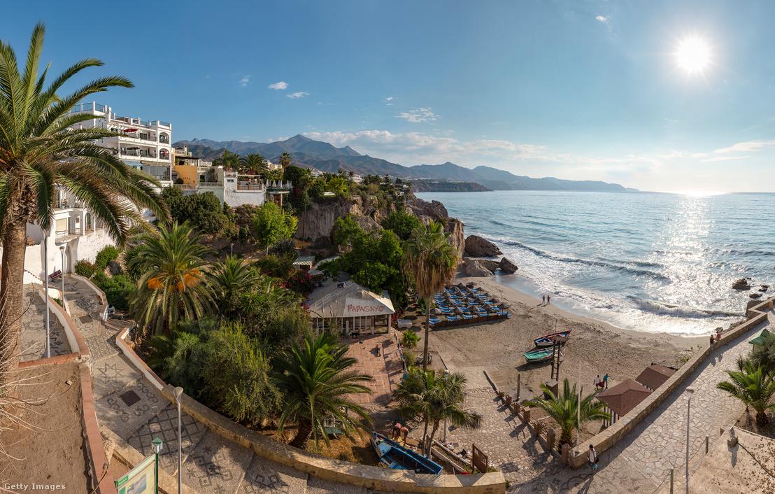 Az egyik lehetséges úticél, Malagától nem messze található Calahonda tengerpart